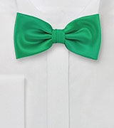 Bright Emerald Green Bow Tie
