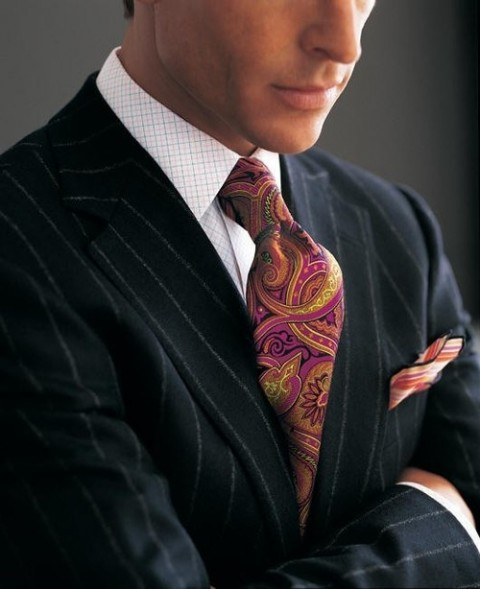 paisley-necktie-pin-striped-suit