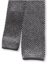 knitted-tie-gray