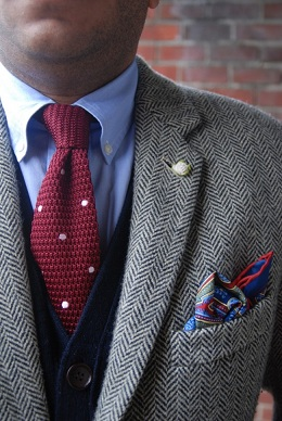 red-knitted-necktie-matching
